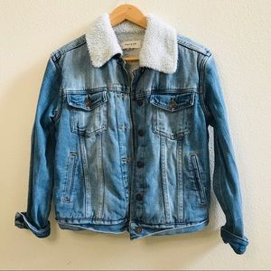 Pacsun sherpa lined denim jacket jean S